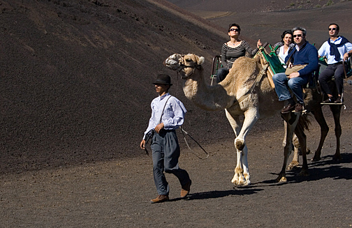 timanfaya-paseo-camello
